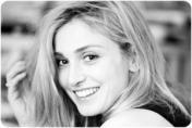 Julie Gayet by etoiledevenus.com